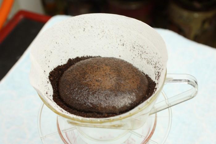 ぶくぶくとコーヒーが膨らんできました
