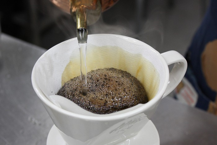 新鮮なコーヒー豆はぶくぶくと膨らみます